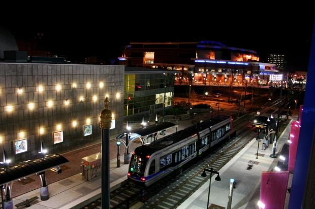 1280px-Light_rail-620×413