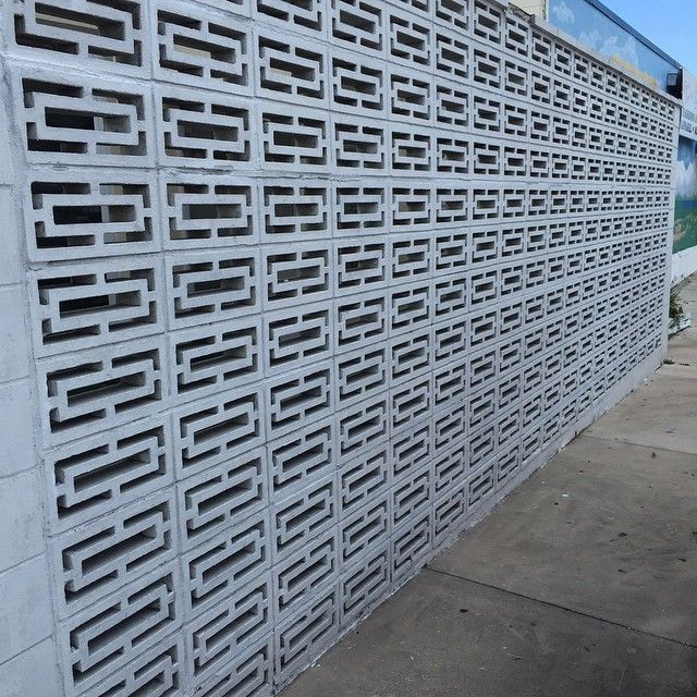 Block Wall Design concrete retaining wall ideas walls cinder block retaining wall concrete retaining wall how to build a Beautiful Midcentury Modern Screen Rectangle Block Wall On Old Town Tarpon Springs Midcenturymodern Midcenturymodernarchitecture Oldflorida